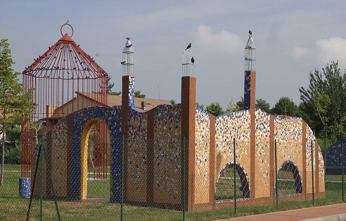 Giardino del Gigante di Cento - Grande gabbia e seduta d'angolo