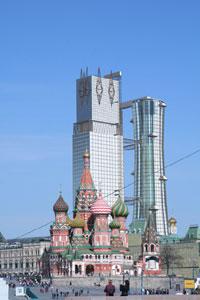Narkomtjažprom (Commissariato Popolare dell'Industria pesante), Mosca 1934 - Progetto per un concorso - Ricostruzione virtuale e fotomontaggio nel panorama della città odierna del progetto di I.I. Leonidov per il Narkomtjažprom a Mosca