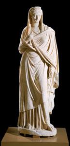 Vibia Sabina - Statua in marmo raffigurante Vibia Sabina, 136d.C - Antiquarium del Canopo, Villa Adriana, è alta 203 cm,© Sbal