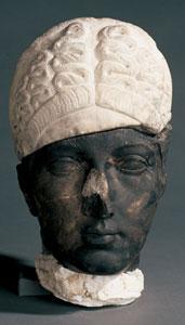 Sabina - Louvre, Frammento di una statua di Sabina, 128 d.C. circa, marmo, altezza 31,5 cm, scoperto a Cartagine, nel Serapeo, 1874, Parigi, Musée du Louvre
