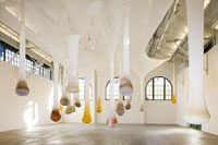Ernesto Neto, Mother body emotional densities/for alive temple time baby son, 2007, Mixed media, Photo by Pablo Mason