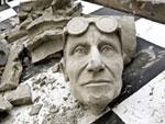 Paolo Chiasera/MACRO, Forget the heroes, 2008, Still da video, Tecnica mista; 4 canali video, Foto: Luca Fontana, Collezione MACRO Museo d'Arte Contemporanea Roma