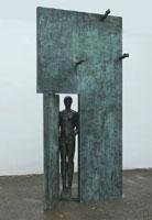 Mimmo Paladino, Porta d'Oriente, bronzo, 158 (h) x 178 x 90 cm, 2005