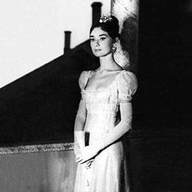 Audrey Hepburn in Gattinoni per il film Guerra e Pace Gattinoni