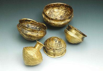 Vasi in oro, X - IX sec. a. C., Museo Archeologico di Monaco
