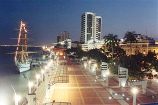 Guayaquil, perla del Pacifico: una storia in foto