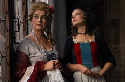 Una scena del film Il merletto, un'arte veneziana