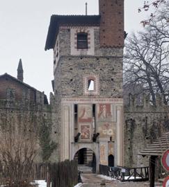 Borgo Medievale - torre ingresso
