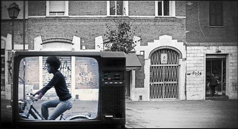 Davide Coluzzi, La percezione del diverso. Canale 1; Stampa su pannello piuma 70x50x2; 2008.