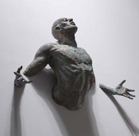 Matteo Pugliese: La promessa, bronzo, 111x62x26cm, 2010