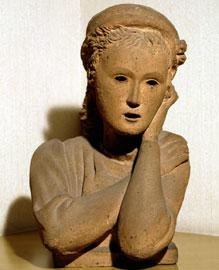 La Nena, 1930 c., terracotta refrattaria, cm 46x32x30, Fondazione De Mari – Cassa di Risparmio di Savona