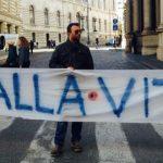 Roma manifestazione curarsi non è un reato - via del Corso © Foto di Diego Pirozzolo