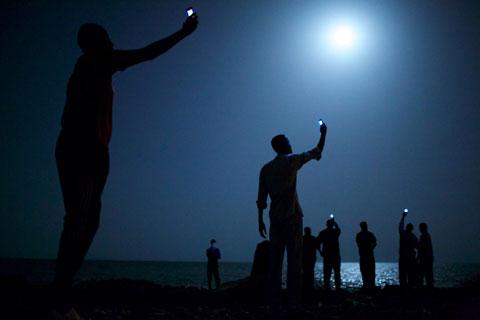 Signal, foto di John Stanmeyer