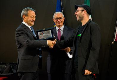 Foto Premiazione Talent Prize 2013, Vice Ministro Antonio Catricala, Danilo Correale, Guido Talarico