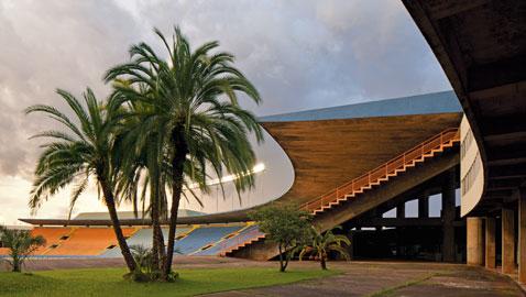 Stadio municipale Serra Dourada, Goiânia (Goiás), 1973 e seguenti, veduta dell'interno. © Leonardo Finotti