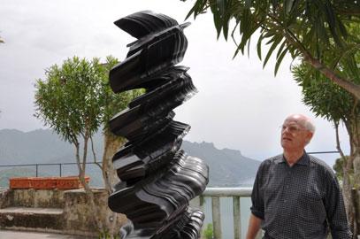 Tony Cragg sul Belvedere di Villa Rufolo