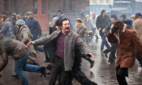 Una scena del film Walesa