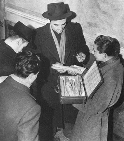 Borsa nera - Collezione privata Luigi Borgomaneri