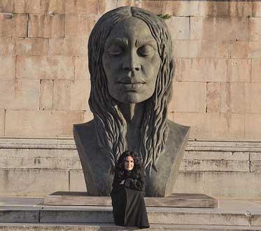 Helga Vockenhuber, La nuova Eva, 2012, bronzo, cm. 210 x 140 x 300 h