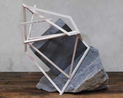 Mattia Bosco, Untitled, 2012, marmo e ceramica cm 53x47x59. Foto di Antonio Maniscalco