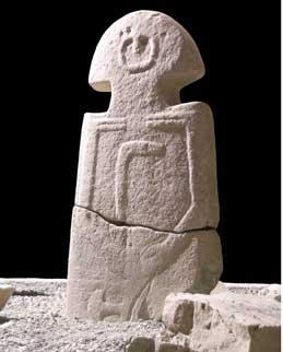 Minucciano III, statua stele