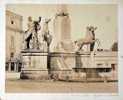 Fotografo non identificato, I Dioscuri della fontana di Monte Cavallo al Quirinale, 1855 – 1860, carta salata albuminata, Fondo Negro, AF 15240