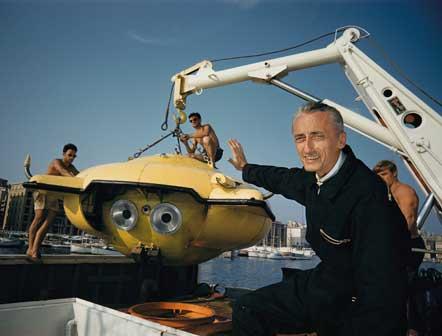 Thomas J Abercrombie, Puerto Rico | 1960 - Jacques-Yves Cousteau svela Denise, la rivoluzionaria capsula a immersione costruita con il sostegno della Society.
