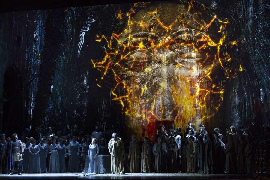 Norma di Vincenzo Bellini al Teatro San Carlo - foto di L. Romano