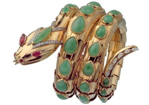 Bracciale Serpenti in oro con giada, rubini e diamanti. Serpenti bracelet in gold with jade, rubies and diamonds. 1965 Bulgari Heritage Collection