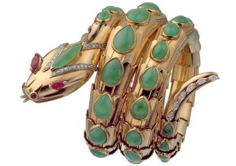 Bracciale Serpenti in oro con giada, rubini e diamanti. Serpenti bracelet in gold with jade, rubies and diamonds. 1965 Bulgari Heritage Collection
