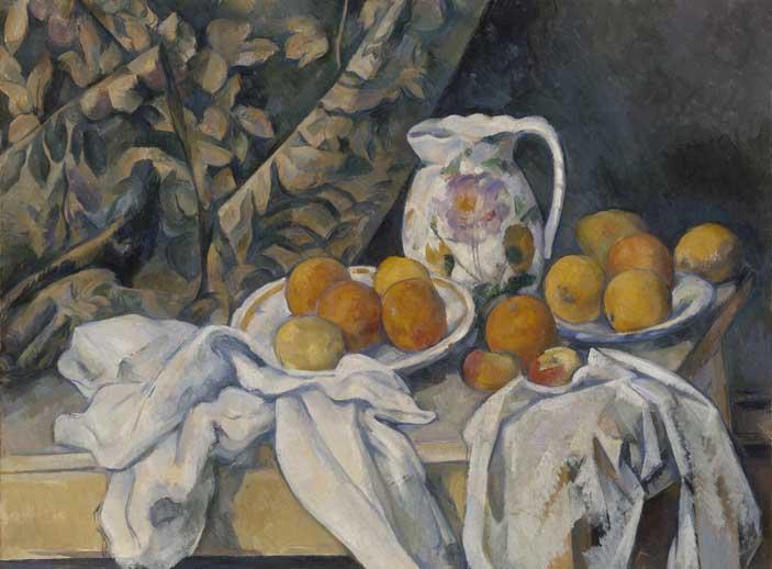 """Paul Cézanne, Natura morta con tenda, 1894-1895, Olio su tela. 55 x 74,5 cm, San Pietroburgo, Museo Statale Ermitage - Mostra """"Da Poussin agli Impressionisti. Tre secoli di pittura francese """""""