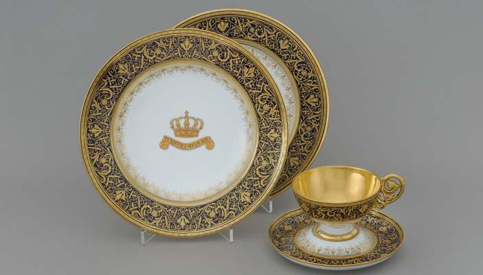Elementi di un servizio da cena, porcellana, Fischer &Mieg, Pirkenhammer (Brezova) Bohemia, Decorazione della bottega di Ernst Wahliss, Vienna
