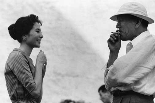Domon Ken, Kuga Yoshiko (attrice) e Ozu Yasujirō (regista), 1958 457×560 Ken Domon Museum of Photography