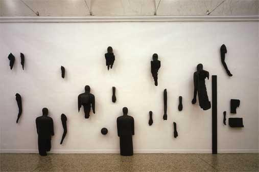 Mimmo Paladino, Senza titolo, 2006 22 elementi fusione in alluminio patinato Galleria Christian Stein