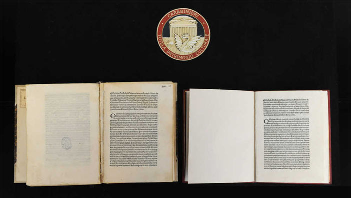 Foto del Comando Carabinieri Tutela Patrimonio Culturale - Incunabolo relazione di Cristoforo Colombo sul primo viaggio
