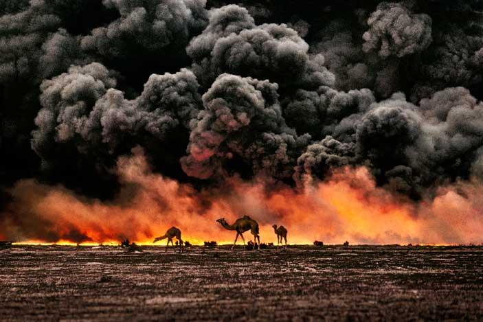 Al Ahmadi, Kuwait, 1991 © Steve McCurry
