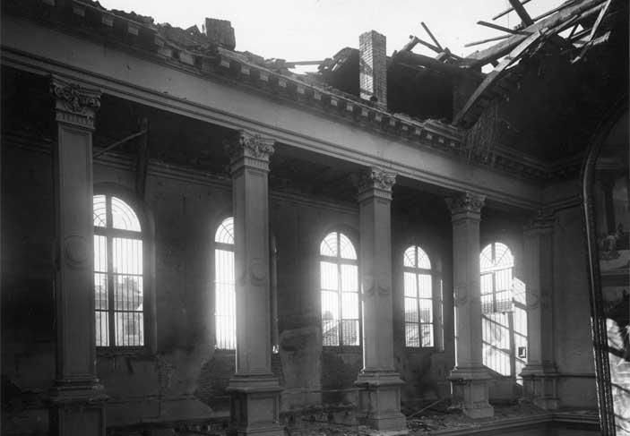 GAM Torino - La parte superiore della prima sala completamente distrutta - Mostra Dalle bombe al museo