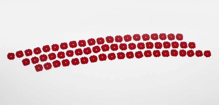 Pino Pinelli, Pittura R., 2012 disseminazione di 60 elementi, diametro 33 cm (ciascuno)