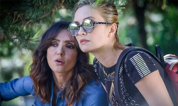 """Ambra Angiolini, Carolina Crescentini in una scena del film """"La verità, vi spiego, sull'amore"""""""