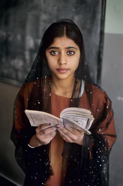 Steve McCurry: Afghanistan, 2002. © 2012-2017 Steve McCurry