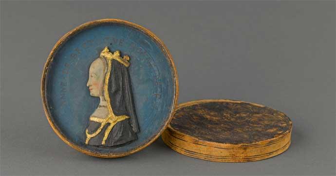Ritratto di Anna di Bretagna in scatola di cuoio - Mostra a Carpi Alla corte del Re di Francia