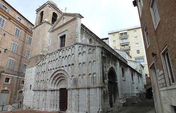 Santa Maria della Piazza - Mostra Padre Guido, dalla parte dei poveri
