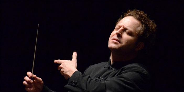 John Axelrod dirige il concerto per la Festa della Repubblica