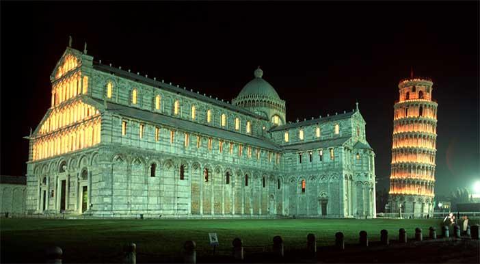 Torre di Pisa a Piazza dei Miracoli