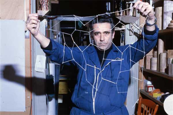 Fotoritratto: Cesare Leonardi, 1985 circa, Courtesy Archivio Architetto Cesare Leonardi