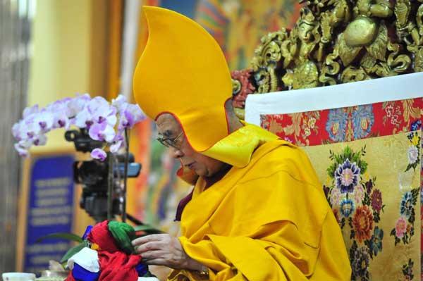 S.S. il XIV Dalai Lama, India 2015 (foto di Giampietro Mattolin ) - Mostra fotografica a Lucca