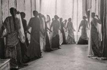 Mariano Fortuny, Esposizione di scialli Knossos, a Palazzo Pesaro Orfei, 1910 circa