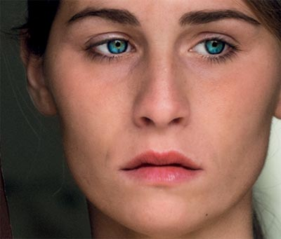 Immagine della locandina del film L'intrusa