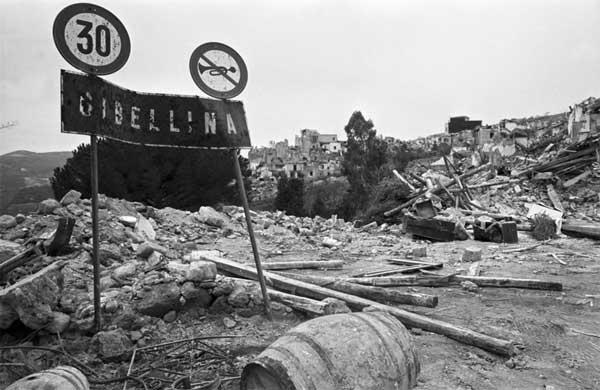 © Melo Minnella, Gibellina 1968 - Mostra Pausa Sismica. Cinquant'anni dal terremoto del Belìce