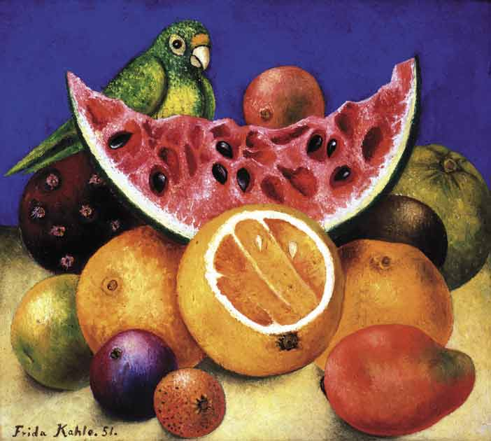 Frida Kahlo, Natura morta con pappagallo e frutta, 1951, Painting, SC: 25,7 x 28,2 cm. Prestatore e Crediti: Nickolas Muray Collection of Mexican Art, Harry Ransom Center. The University of Texas at Austin © Banco de México Diego Rivera Frida Kahlo Museums Trust, Mexico, D.F. by SIAE 2018